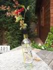 Als de drank is in de man, staan de bloemen op de fles